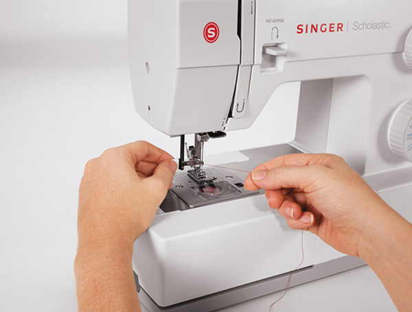 ghdonat.com Singer Scholastic Heavy Duty Sewing Machine w/23 ...